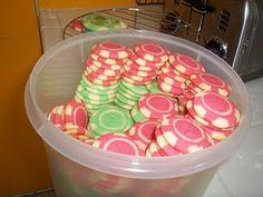 poker chip cookies - brilliant