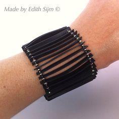 Armband gemaakt van fietsbanden en ballchain. door EdithEnDat