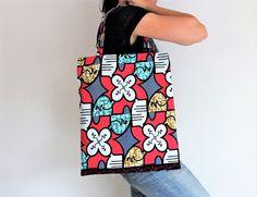 Tote bag ethnique, imprimé fleurs, imprimé wax, sac wax, tissu africain, sac été, girl bag, sac rose, sac écologique, sac cabas, accessoire de la boutique Underthecocotiers sur Etsy