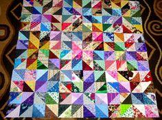 Usted está haciendo una oferta en un conjunto de nuevos bloques de la colcha 9. Se hace cada bloques de 32 triángulos. 288 piezas todos juntas. No se trata de un kit, bloques han sido máquina cosido y bien presionado. Cada bloque mide 13 pulgadas cuadradas. He utilizado a más de 100 diferentes tejidos para hacer este juego. Estos hermosos bloques están hechos de 100% del algodón prelavada en ambiente libre de humo. La imagen es un poco oscuro y no reflejan la belleza de este conjunto. Puede…