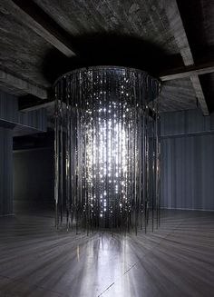 Leo Villareal - Volume (2011)    20,000 LED nodes suspended in a 3D matrix of mirror-finished stainless steel