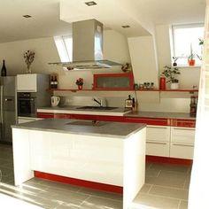 Další realizovaná kuchyň, trošku odvážnější  líbí se? ❤ #kuchyne #kuchyn #kitchen  Další #realizace tentokrát #bila a #cervena #white #whitekitchens #red #design #designs #homedesign #interier #ostruvek #ceskavyroba #czechmade #krasa #zivot #domov #opava #iqkuchyne #budetejimilovat