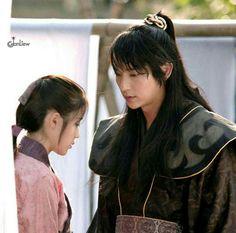 Lee joon gi and IU in scarlet heart ryeo ❤