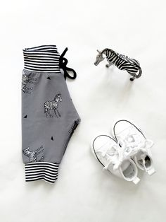 Zebra baby broekje van SuzyB! #babybroek #suzyb #babypants