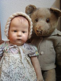 Old Dolls, Antique Dolls, Vintage Dolls, Old Teddy Bears, My Teddy Bear, Haunted Dolls, Realistic Baby Dolls, Charlie Bears, Valley Of The Dolls