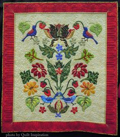 Strawberry Thieves by Donna Viitanen, quilted by Anita Shackelford. William Morris design by Michele Hill.