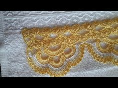 This Pin was discovered by Müg Crochet Lace Edging, Crochet Borders, Crochet Trim, Love Crochet, Filet Crochet, Crochet Doilies, Crochet Stitches, Knit Crochet, Lace Patterns