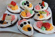 Dortíky z bílků +videorecept | Recepty a videorecepty Pancakes, Sugar, Cookies, Breakfast, Food, Crack Crackers, Morning Coffee, Eten, Cookie Recipes
