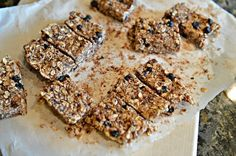 Nut-Free, School-Safe, Easy Homemade Granola Bar Recipe :: YummyMummyClub.ca