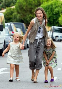 #Princess Letizia of #Spain. Scarf and shades adds some fun to casual look. CUTE KIDS!!