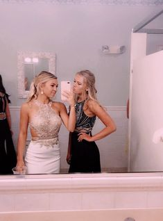 - Hairstyles For All Hoco Dresses, Dance Dresses, Homecoming Dresses, Homecoming Pictures, Prom Photos, Prom Pics, Friday Night Lights, Emma Roberts, Cute Friend Pictures