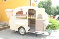 Bourreau Sologne Baby caravan 1955
