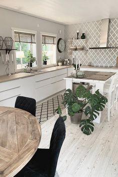 Farmhouse Kitchen Cabinets, Painting Kitchen Cabinets, Kitchen Cabinet Design, Modern Kitchen Design, Kitchen Layout, Kitchen Ideas, Semarang, Layout Design, Trellis Wallpaper