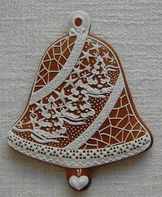 Today we are looking at Moravian and Bohemian gingerbread designs from the Czech Republic. Back home, gingerbread is eaten year round and beautifully decorated cookies are given on all occasions. Christmas Goodies, Christmas Desserts, Christmas Treats, Gingerbread Decorations, Gingerbread Cookies, Cute Cookies, Cupcake Cookies, Christmas Gingerbread House, Gingerbread Houses