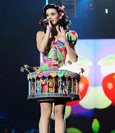 katy perry carousel , originally uploaded by PoisonDigipak . Check out this carousel skirt worn by Katy Perry. Katy Perry Photos, Rainbow Fashion, Hair Magazine, Wild Style, Celebrity Hairstyles, Red Carpet Fashion, Music Awards, Mtv, Cute Dresses