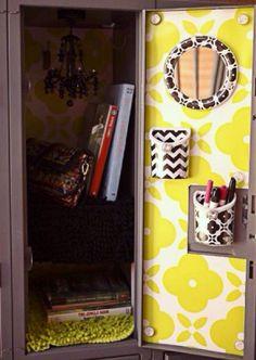 See why we think Lockerlookz is the best decor choice for your teen's locker - smart design and attention to detail #llzgirlz Cute Locker Ideas, Diy Locker, Erin Condren, School Locker Decorations, Middle School Lockers, School Locker Organization, Washi, Locker Accessories, School Accessories