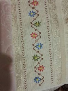 Pop, Rugs, Home Decor, Cross Stitch Rose, Cross Stitch Embroidery, Diy And Crafts, Throw Pillows, Creativity, Towels