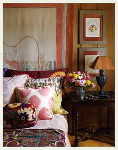 Lunch & Latte: new coffee table books Interior Design Living Room, Living Room Decor, Interior Decorating, Bedroom Decor, Interiores Shabby Chic, Coffee Table Books, Of Wallpaper, Warm Colors, Decoration