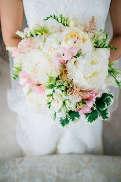 20+ Beautiful Pink and White Wedding Bouquet Ideas
