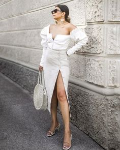 Chic outfits with sandals to try this summer