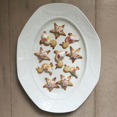 Baking vanilla biscuits for Grandma's birthday, ducks and stars of course ⭐️ . . . #baking #bakingtime #biscuits #biscuitdecorating #icing #icingcookies #foodstyle #foodstyling #ducks #starcookies #jellydiamond #hundredsandthousands #cakedecorating #foodie #food #vintageplate