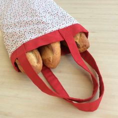 A bread bag to avoid paper packaging - Crochet knitting, free patterns Free Knitting, Baby Knitting, Knitting Patterns, Crochet Christmas Gifts, Crochet Gifts, Elsbeth Und Ich, Coin Couture, Produce Bags, Paper Packaging