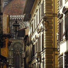 #turistacurioso del più bel paese del mondo Scorcio del Duomo di Firenze
