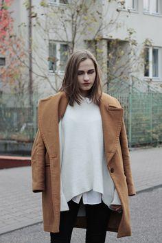 White collar + beige sweater