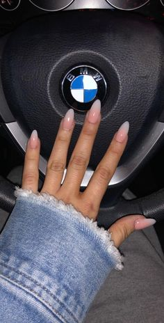 Ombre NailsYou can find Oval nails and more on our website. Oval Acrylic Nails, Almond Acrylic Nails, Oval Nails, Oval Shaped Nails, Cute Nails, Pretty Nails, My Nails, Design Tutorials, Nails Short