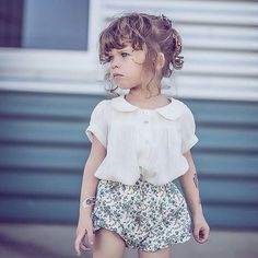 Tattoos girl in outfit. Thank you for this wonderful photo. You can find and Vintage Kids Fashion, Little Kid Fashion, Baby Girl Fashion, Toddler Fashion, 50 Fashion, Fashion Styles, Fashion Clothes, Cheap Fashion, Fashion 2018