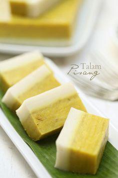 Ita tertarik dengan kejadian talam pisang yang di sediakan oleh Lina Thomas . Tekstur talamnya yang nampak lembut membuatkan ita terpa...
