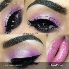 Friday Night Look - Trends & Style Kiss Makeup, Cute Makeup, Makeup Looks, Hair Makeup, Pretty Makeup, Gorgeous Eyes, Beautiful, Makeup Tips, Beauty Makeup