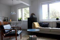 projektina koti Conference Room, Interiors, Table, Furniture, Home Decor, Decoration Home, Room Decor, Tables, Home Furnishings