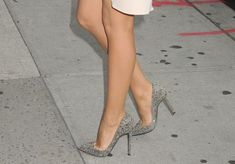 Blake Lively in strass Louboutin pigalle pumps
