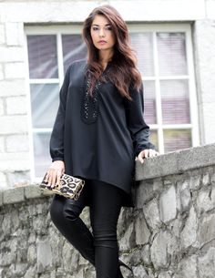 Yppig   Blouse with caftan look with appliqué