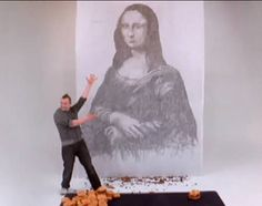 Artist Phil Hansen recreated the Mona Lisa—using burger grease. He used 14 grease-laden burgers to create the unusual masterpiece for an American fast food company that wanted to show how much grease was in its competitor's burgers.