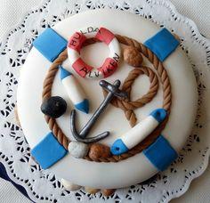 Seaside cake. Everything made of sugarpaste.