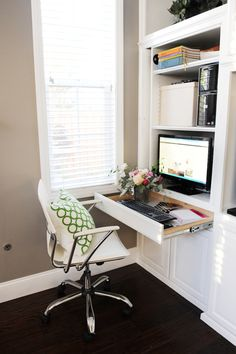 How to create a stylish office nook in your family room. HomeGoods sponsored post.