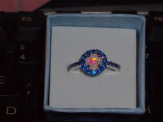 LOOK!!!!! A STUNNING STERLING SILVER GENUINE BLUE SAPPHIRE AND WHITE FIRE OPAL RING SIZE 7