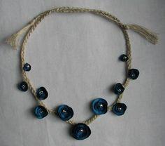 collana catenella con fiorellini di carta blu