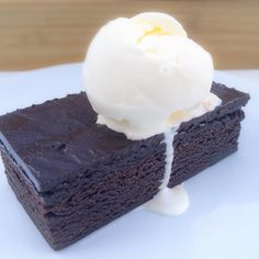 The best things in life are free. And the best indulgences are mostly the simple ones. Like Fudge Brownies and Vanilla Ice Cream.  Made with quality ingredients such as @lukerofficial 58% Misterio Dark Chocolate, 22/24 Natural Cocoa Powder, Dreidoppel Bourbon Vanilla Paste, DGF Glucose Syrup, and DGF Trimoline Invert Sugar Syrup.