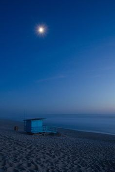 La plage de Montalivet (Gironde) à l'heure bleue