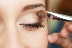 It can be so tricky to know what eyebrow brushes you actually need and what brush is a nice-to-have. Our team of makeup experts have created a go-to guide for you to use to create the perfect pair of eyebrows and eyelashes. Adding these products to your makeup collection will help you to shape and […] The post Burst Eyebrow Brushes Explained appeared first on Burst Makeup Brushes.