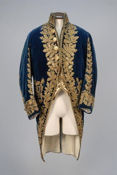 Cobalt velvet coat with high stand collar, wide cuff and faux pockets, heavily decorated with a foliate pattern in metallic gold braid, cord and sequins, reproduced white satin waistcoat using trim fr. Historical Costume, Historical Clothing, Beauty And The Beast Costume, Vintage Outfits, 18th Century Costume, Court Dresses, 18th Century Fashion, Fashion History, Costume Design
