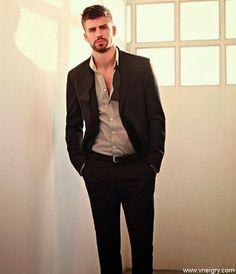 PJ - MG - FASHION : ElegantGerard Piqué Shakira, Suit Jacket, Breast, Blazer, Suits, Elegant, Pj, Mango, Jackets