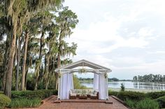Cypress Grove Estate in Edgewood offers outdoor settings, including spots overlooking Lake Jessamine.