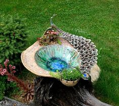 Vícebarevné Ptačí pítko / od keramika jana macečková   Fler.cz Clay Fairy House, Fairy Houses, Ceramic Pottery, Ceramic Art, Ceramic Boxes, Clay Fairies, Bird Sculpture, Work Inspiration, Clay Projects