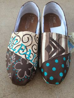 Hand-painted Toms created by Spur of the Moment.  Love them!