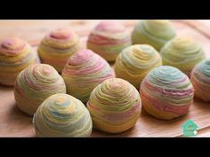 How to make Rainbow Thousand Layer Yam Mooncake ! Rainbow thousand layer Yam Mooncake Ingredients For Yam filling Yam / Taro Caster sugar Unsalted butter For water dough High . Mini Desserts, Asian Desserts, Asian Recipes, Dessert Recipes, Chinese Desserts, Thousand Layer Cake, Taro Recipes, High Protein Flour, Chinese Moon Cake