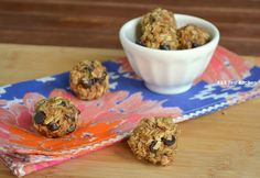 Good pre-workout snack.  Quinoa & Oat pb balls-packed with protein and flavor.